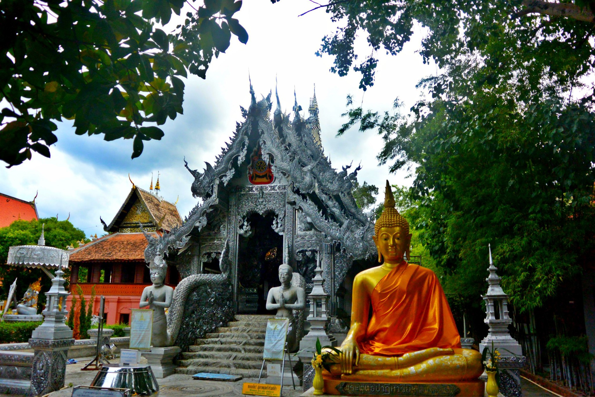 4 Gorgeous Thai Temples