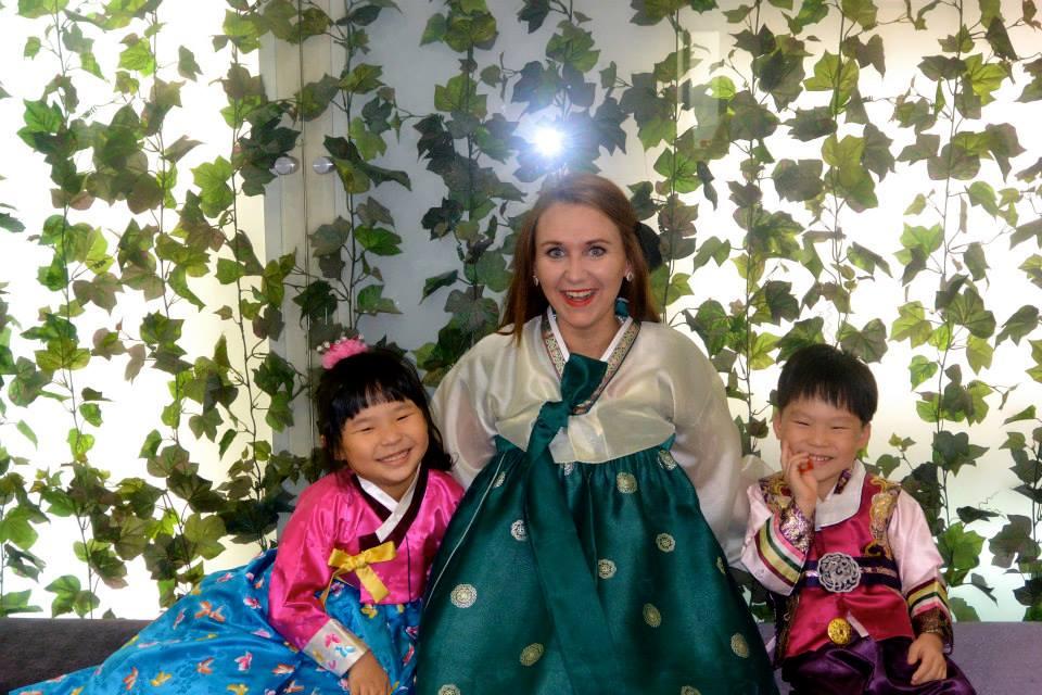 Lesbian Travelers Guide to South Korea, Hanbok
