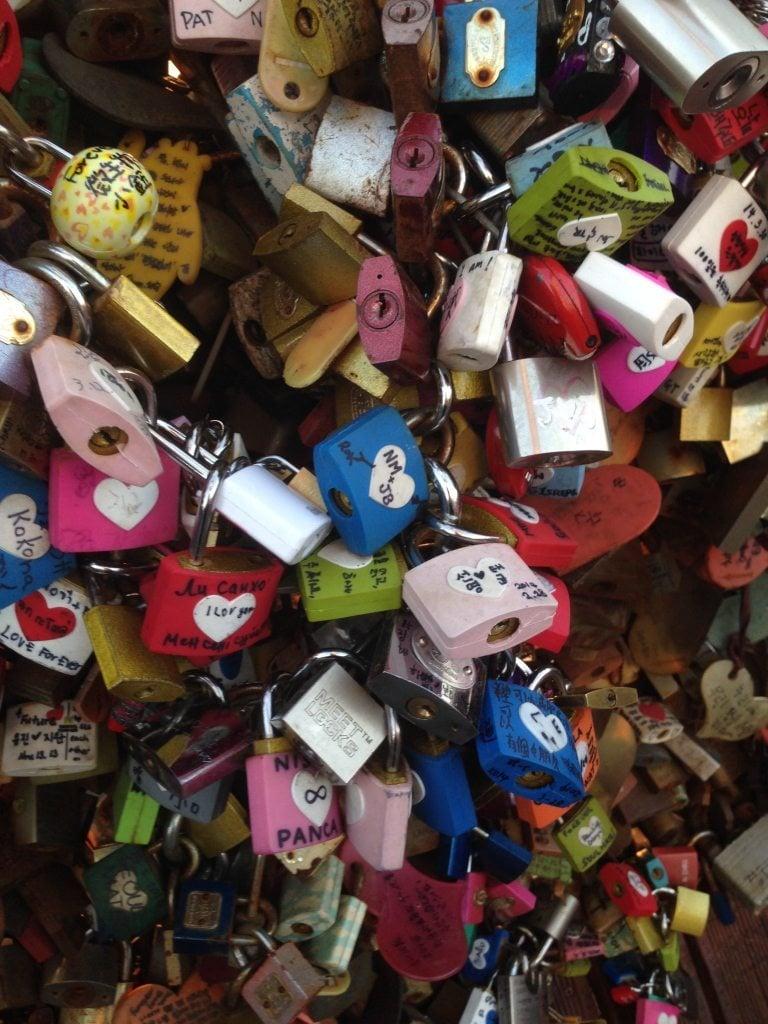 Lesbian Travelers Guide to South Korea, Locks at Namsan Tower