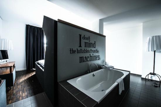 the-weinmeister bathtub