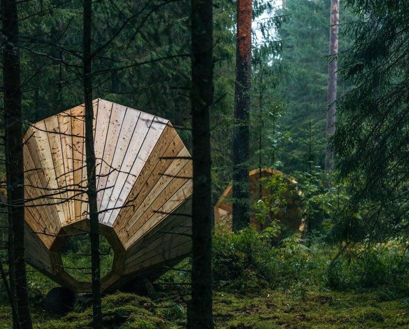 estonian-students-forest-megaphones-library-rooms-voru-county-designboom-04