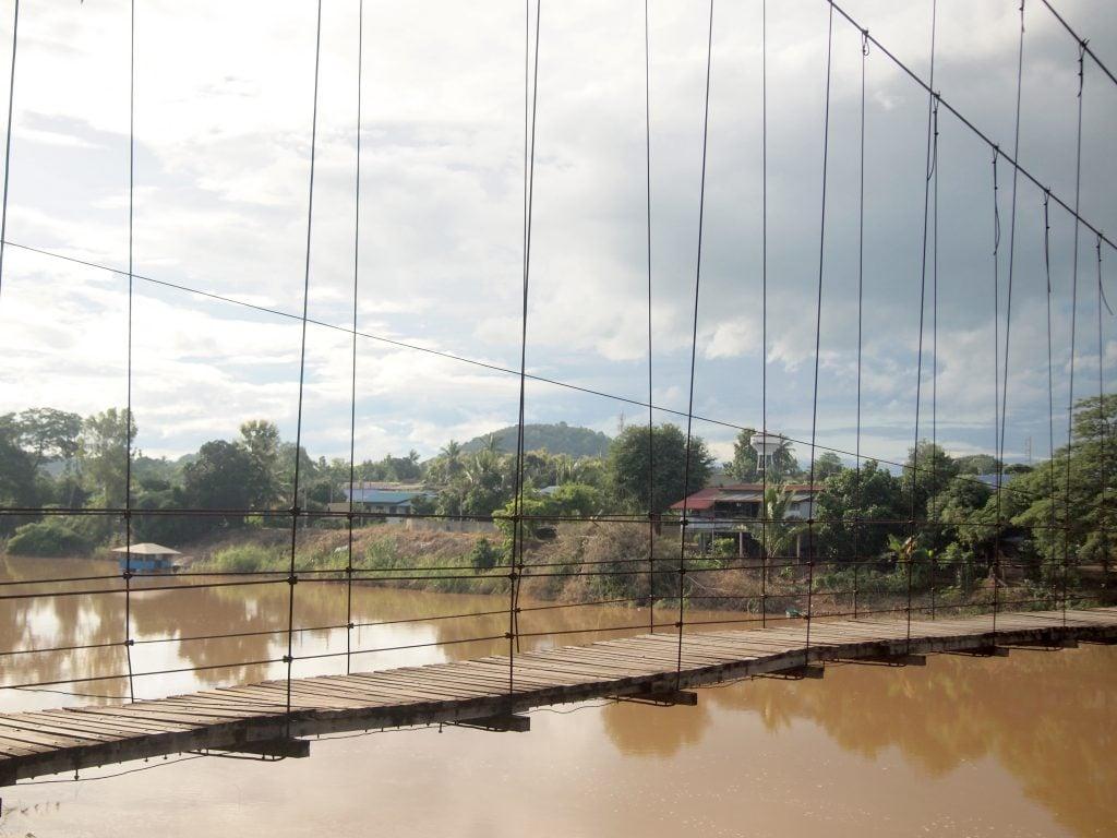 Ring-Bridge-Sukhothai-Thailand.