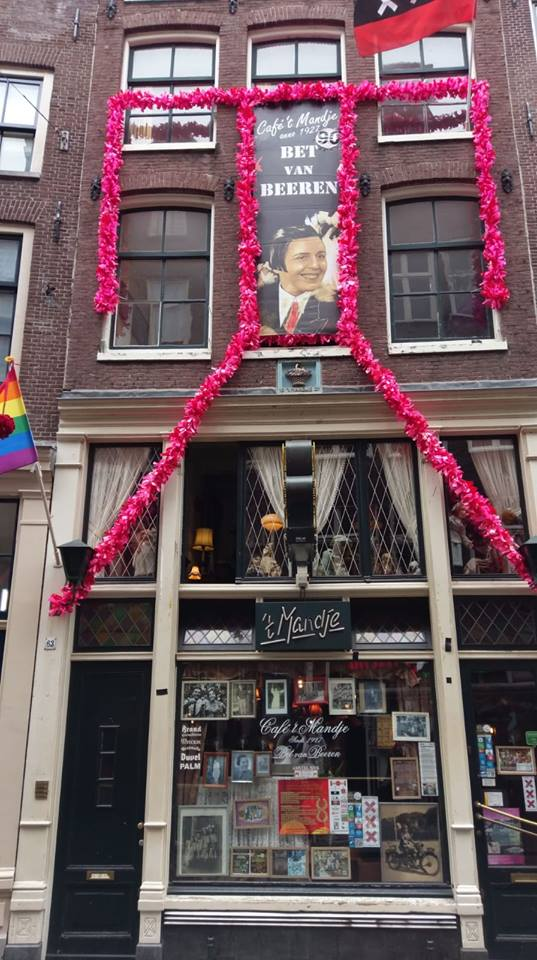 amsterdam-lesbian-bar