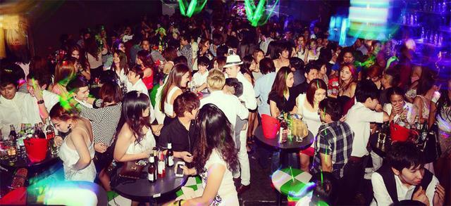 Thailand-lesbian-bar