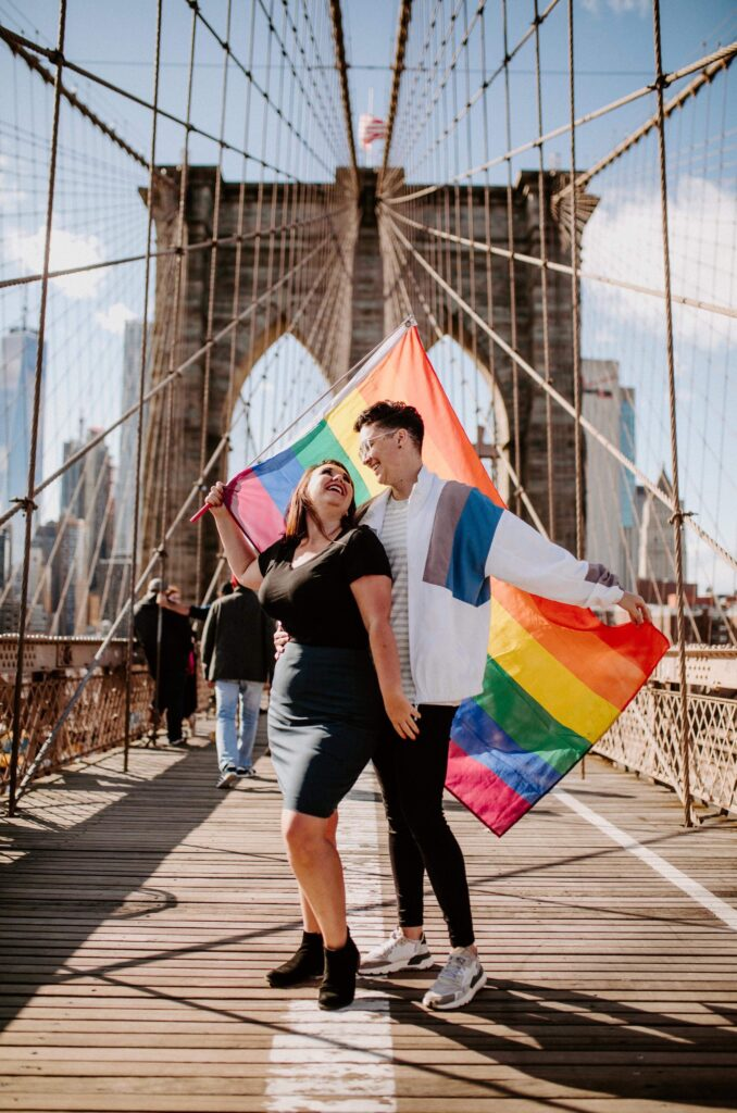 lesbian-couple-brooklyn-bridge